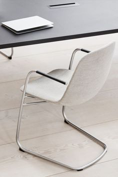 The soft organic shape of the Eyes Chair is like a welcoming gesture, inviting you to sit down and stay awhile. #fredericiafurniture #eyescantilever #eyescollection #foersom&hiort-lorenzen #danishdesign #interiordesign #chairsandstools #modernoriginals #craftedtolast Organic Shapes, Danish Design, Armchair, Interior Design, The Originals, Modern, Stools, Furniture, Chairs