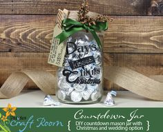 This countdown mason jar includes both a wedding and Christmas version. Simply fill with Hershey's kisses and let the countdown begin! Video instructions are included for this adorable, affordable, & easy project! Makes a great gift! Craft Wedding, Diy Wedding Favors, Diy And Crafts Sewing, Crafts To Sell, Industrial Chic, Cheap Favors, Budget Template, Craft Videos, Diy Videos