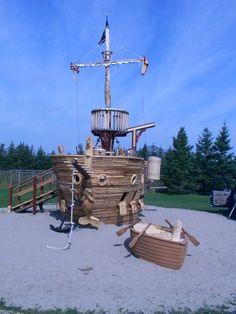 Playground: Pirate Ship. This looks real. I like it.