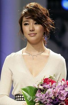 ".Yoon Eun Hye.... my favorite Korean Actress!!!!  Love her in ""Coffee Prince""!!!."