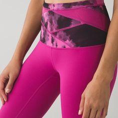 Lululemon Wunder Under Hi Rise Raspberry NEVER WORN!!! so cute for summer lululemon athletica Pants Leggings