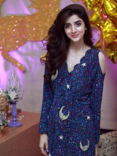 Top 60 Mawra Hocane Dresses- White, Black, Red, Blue and many Pakistani Models, Pakistani Actress, Pakistani Girl, Bollywood Actress, Unicorn Themed Birthday, Birthday Bash, Birthday Balloons, Stunning Dresses, Nice Dresses