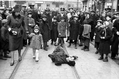 """The Warsaw Ghetto. Photography by the """"Wehrmacht"""" in the summer of 1941. The picture is the courtesy of Yad Vashem."""