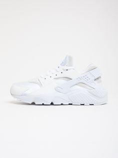 Scopri Sneakers basse Nike Air Huarache Run Nike Sportswear Donna.  Approfitta delle migliori offerte Streetwear
