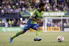 DeAndre Yedlin Runs Faster Than You(GIF)