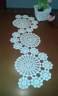 Study In Circles Crochet Motif Table Runner Pattern Crochet Table Runner Pattern, Free Crochet Doily Patterns, Crochet Motif, Hand Crochet, Crochet Dollies, Crochet Angels, Crochet Flowers, Doilies Crafts, Cloth Flowers