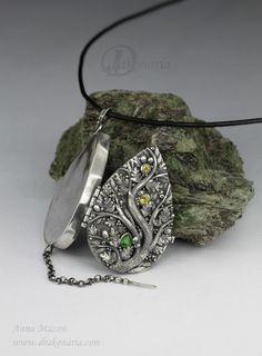 Unique jewellery by Anna Mazoń: September 2012