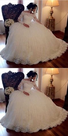 Vintage Lace Off Shoulder Wedding Dresses Long Sleeves Ball Gowns