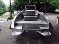 Solas 530 #makoboatsclassic Shallow Water Boats, Boat Carpet, Mako Boats, John Boats, Utility Boat, Rib Boat, Sailboat Plans, Free Boat Plans, Plywood Boat Plans