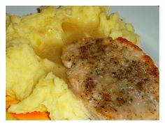 Kotlety naklepeme, osolíme a opepříme.Obalíme v hladké mouce a dáme na pánev na rozpálený olej.Osmahneme po obou stranách a zalijeme trochou vody... Mashed Potatoes, Dinner, Ethnic Recipes, Foodies, Whipped Potatoes, Dining, Smash Potatoes, Food Dinners, Shredded Potatoes