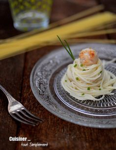Spaghettis, sauce Noix de Saint Jacques - Parmesan - Cuisiner ... tout simplement Breakfast Lunch Dinner, Dessert For Dinner, Special Recipes, Great Recipes, Pasta Al Dente, Spaghetti, Romantic Meals, Food Names, Le Diner