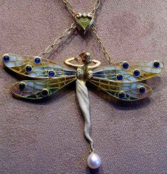 ♈ Dragonfly Versailles ♈ dragonflies in art, photography, jewelry, crafts, home & garden decor - Art Nouveau Winged Fairy-Dragonfly pendant Bijoux Art Nouveau, Art Nouveau Jewelry, Jewelry Art, Antique Jewelry, Vintage Jewelry, Jewelry Design, Jewellery, Designer Jewelry, Jewelry Crafts