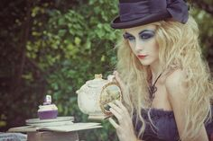 Tim Burton Alice in Wonderland inspired shoot.  I like the long blonde puffy hair and poppy makeup. ( for my main character)