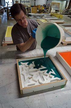 Pour Rubber Over Pattern Concrete Casting, Concrete Forms, Concrete Design, Tile Crafts, Concrete Crafts, Diy Home Crafts, Wall Molding, Diy Molding, Baroque Decor