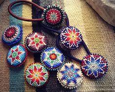 ヘアゴム #ハンドメイド#ハンドメイドビーズ#ビーズ#ヘアゴム#ヘアアクセ#アクセサリー#ヘアアレンジ#ネイティブ#ネイティヴ#カラフル#オリジナル #模倣禁止 #beadwork#beading#beads#handmade#bohemianism#bohochic#colorful #accessory#handmadeaccessory