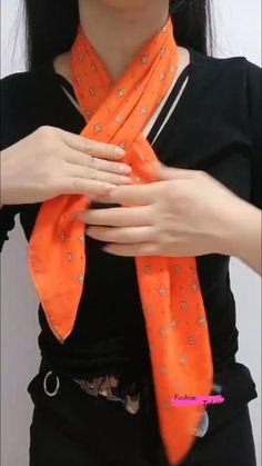 Ways To Tie Scarves, Ways To Wear A Scarf, How To Wear Scarves, Scarf Wearing Styles, Scarf Styles, Summer Scarf Tying, Summer Scarves, Silk Neck Scarf, Diy Fashion Hacks