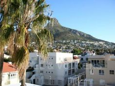 Spacious and Eclectic 2 Bedroom in Sea Point
