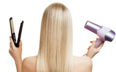 How to Lighten Your Hair Using Cinnamon Get lighter locks without harsh chemicals by using an ingredient in your own kitchen--cinnamon! Here's how to make your hair lighter in four easy steps, courtesy of Ehow.com.  Things You'll Need: Cinnamon powder Conditioner Hair clip