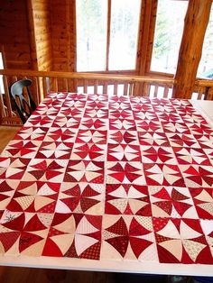 Chic country quilt pattern in red and white