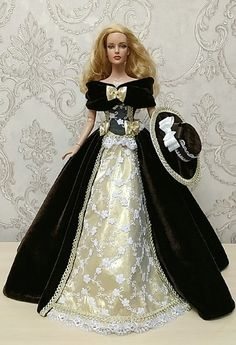 Barbie And Ken, Barbie Dolls, Barbie Princess, Beautiful Figure, Period Costumes, Baby Toys, Doll Clothes, Outfits, Dresses