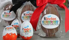 Giant Kinder Surprise - DIY Kinder Eggs with My Cupcake Addiction My son will love this! May also make some with caleb&sofia prizes inside for the next international convention! Easter Snacks, Easter Recipes, Holiday Recipes, Easter Ideas, Cupcakes, Cupcake Cakes, Giant Kinder Surprise Egg, Brunch, New Cookbooks