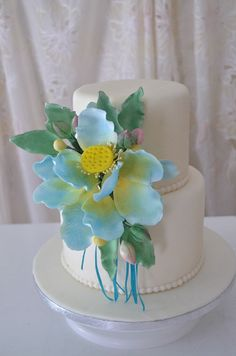 How to Make Gumpaste Flower Buds Yolanda Cakes, Fondant, Cake Pictures, Gum Paste, Flower Making, Delicious Desserts, Cake Decorating, The Creator, Clay