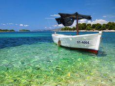 Croazia - Il mare. Cartolina della Croazia. Mare e gente stupende. Prenota un hotel e vivi di persona questa avventura.
