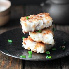 Classic dim sum cake- turnip cake. Surprise your guests by this yummy rice cake with turnip, sausages, mushroom and onions.
