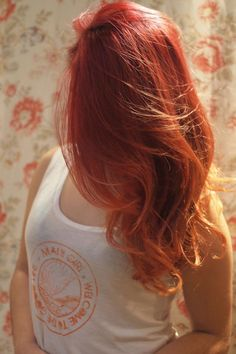 Pelo rojo y hombre hair naranja .