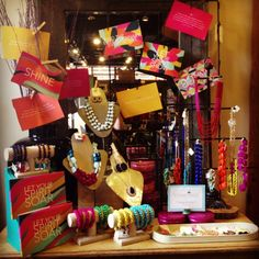 What an awesome Towne & Reese display. Wonder who it was? @Towne & Reese  Jewelry display.#retaildetails