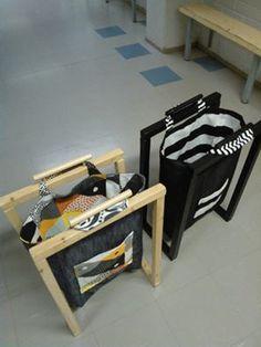 Pyykkikoriksi omaan huoneeseen, kierrätyspapereita varten... Teknisessä tehtiin teline ja tekstiilissä siihen kassi.