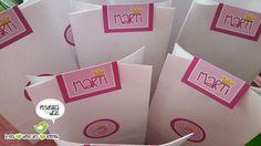 Bolsitas individuales con golosinas personalizadas de Peppa Pig! Peppa Pig, Paper Shopping Bag, Bar, Sachets, Fiestas, Crates