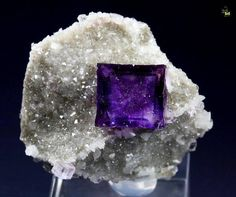 Fluorite with phantoms -- Elmwood mine, Carthage, Central Tennessee Ba-F-Pb-Zn District, Smith Co., Tennessee, USA