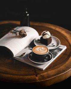 What A Coffee Drinker Wants Need Coffee, Coffee Is Life, Hot Coffee, Coffee Break, Coffee Cafe, Coffee Drinks, Espresso, Coffee Photography, Food Photography