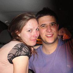 Nossa primeira foto lá em Setembro de 2011 a quase 6 anos atrás. FELIZ DIA DOS NAMORADOS! Te amo @anahelenaz ! #curitiba #primeirafoto #firstpic #nos #us #mygirl #girlfriend #love #amor #september2011 #setembro2011