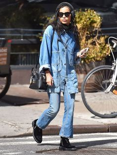 Zoe Kravitz look all jeans