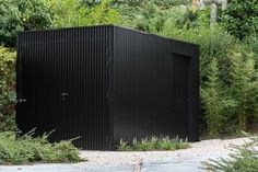 Modern Garage Doors, Aluminium Cladding, Backyard House, Diy Shed, Outdoor Living, Outdoor Decor, Modern Landscaping, Facade House, Pool Houses