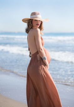 How to style your bump-- chic and fashionable maternity clothes and style! The perfect Summer maternity dress