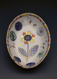Oval Dish Liz Quackenbush __ use gold ! Ceramic Tableware, Glass Ceramic, Ceramic Decor, Ceramic Clay, Porcelain Ceramics, Ceramic Bowls, Ceramic Pottery, Pottery Art, Earthenware