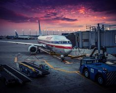 american airlines chicago usa plane airport dawn [12801024]