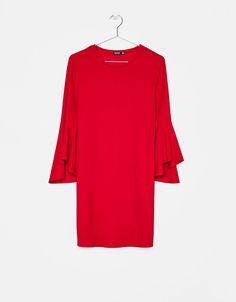 Kurzes Kleid mit Volantärmel - Kleider - Bershka Germany