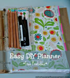 Planners can be expensive but this easy DIY planner. Making your own will save you money and allow you to have only what you need in the planner.