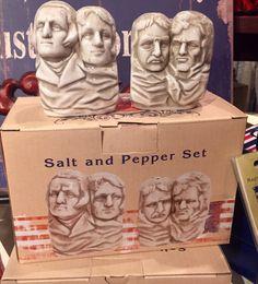 Mount Rushmore Salt & Pepper Shakers/Cracker Barrel Old Country Store Old Country Stores, Salt And Pepper Set, My Glass, Salt Pepper Shakers, Kitchen Hacks, Ps, Mount Rushmore, Barrel, Household