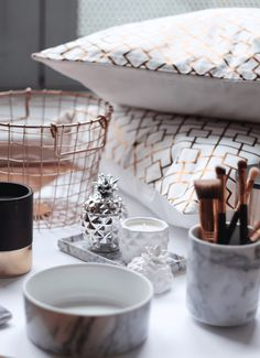 Marble and rose gold details - hm home