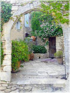 Bonnieux, Provence-Alpes-Côte d'Azur