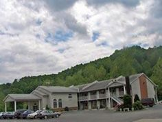Weston (WV) Quality Inn Weston United States, North America Ideally located in the prime touristic area of Weston, Quality Inn Weston promises a relaxing and wonderful visit. The hotel offers guests a range of services and amenities designed to provide comfort and convenience. Facilities like Wi-Fi in public areas are readily available for you to enjoy. Each guestroom is elegantly furnished and equipped with handy amenities. The hotel offers various recreational opportunities....