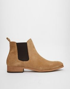 My top pick for today are these light coloured suede Chelsea boots. http://asos.do/MP23IX