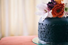 Sugar flower design, Inspired by Aubrey Beardsley - photography by http://www.eriksawaya.com