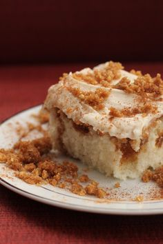 Cinnamon Swirl Cake is like a cinnamon roll in cake form. Sweet cinnamon crumble swirled through a white cake and topped with luscious cream cheese frosting. To die for! Cinnamon Swirl Cake, Cinnamon Crumble, Cinnamon Coffee, Cinnamon Rolls, Cake Mix Recipes, Baking Recipes, Dessert Recipes, Dessert Dishes, Frosting Recipes