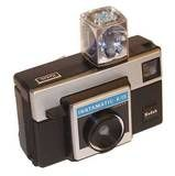 My childhood! Kodak Instamatic Camera with disposable flash cube and cartridge film. My Childhood Memories, Great Memories, School Memories, Childhood Toys, Vintage Toys, Retro Vintage, Vintage Stuff, Instamatic Camera, Ol Days